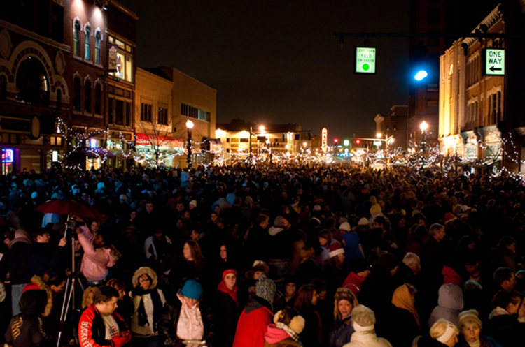 Holiday events in Akron and Canton Ohio Light up Downtown